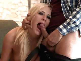Casting A Blonde Cheating Cougar