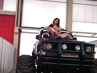 Two Girl/girl Mummy On Bigfoot Make Intercourse And Have Fun With Fucktoys