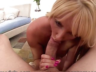 Exotic Superstar Karen Fisher In Fabulous Gulp, Mummy Porno Movie