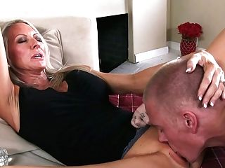 Fuck-fest Crazed Cougar Is About To Turn This Youthful Boy's World Upside Down