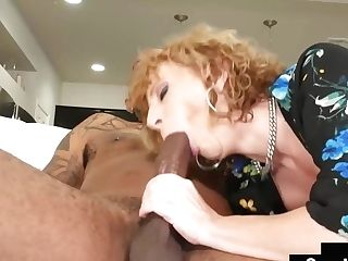 Mummy Sara Jay Gives Amazing Oral Pleasure To Her Dearest Dangled Handy Man!