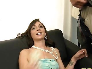 Vannessa Willing To Take A Big Jizz-shotgun In Her Mouth
