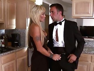 Boring Cougar Houston Gets Her Vag Boned In The Kitchen