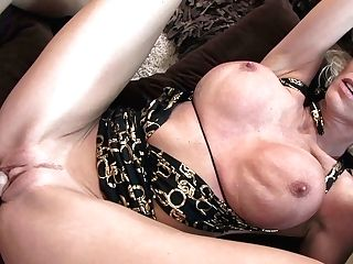 Time Worn Out Labia Of Blonde Cougar Emma Starr Gets Screwed By Youthful Knob