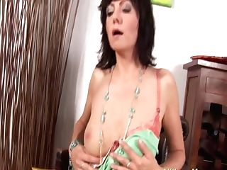 Horny Mom Kneading Her Humid Cunt